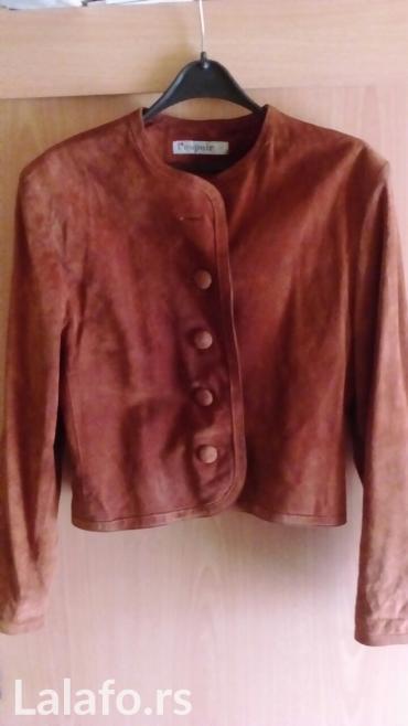 Kratka jakna od prevrnute kože,može se nositi i kao sako ,veličina 36 - Vrnjacka Banja