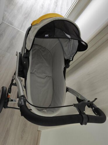 Chicco kolica za bebu do 6meseci ima i sedalni deo za decu do 3