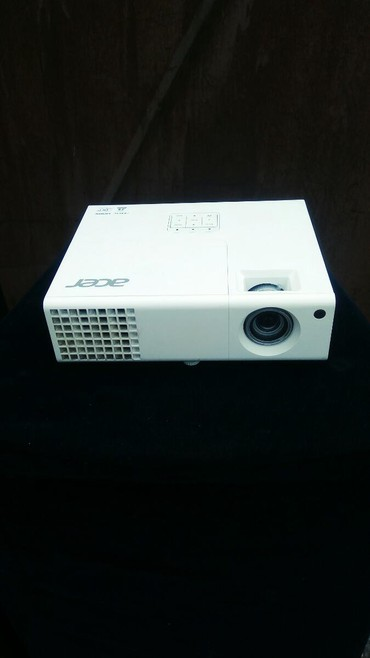 Срочно Продаю Проектор Аcer p1173+экран (1.73*1.73) состояние хорошее
