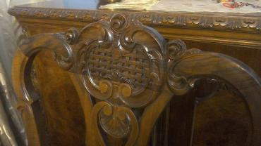 Dining table made of solid walnut wood, antique restored in excellent σε Athens