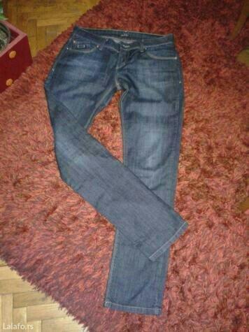 Nove farmerke,ravna nogavica,malo dubljeg kroja,odlican teksas. - Valjevo