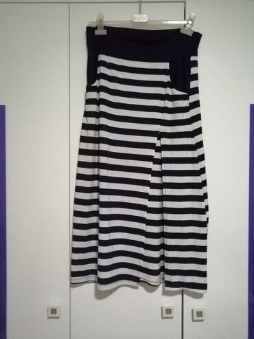 Suknja M/L velicina
