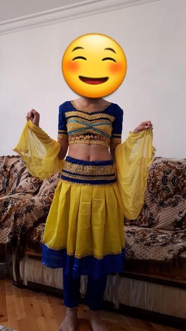 вешалка для верхней одежды в Азербайджан: Hind paltari, ibaretdi yubkasindan altindan geyinecek losinadan
