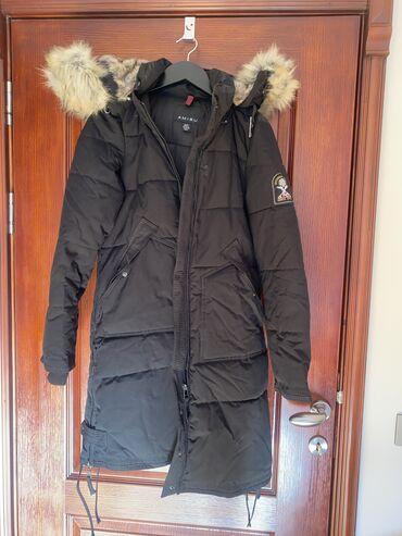 New york - Srbija: New Yorker (Amisu) zimska jakna, velicina je izmedju S i M, nosena par