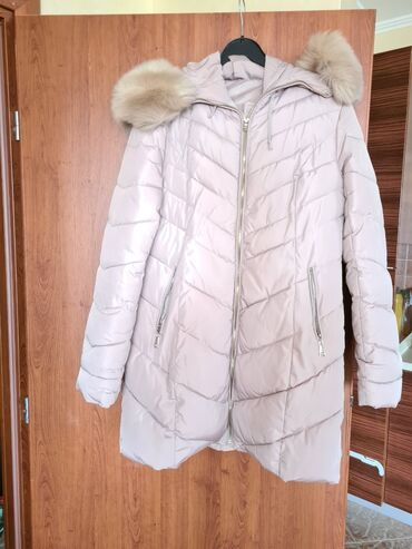 Ženska jakna, malo nošena, veštačko krzno. Velicina Xl
