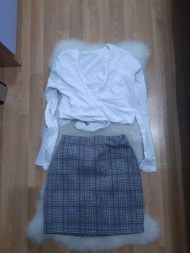 Pismo torbau oker boji na preklop dimenzije - Srbija: Bela majica na preklop