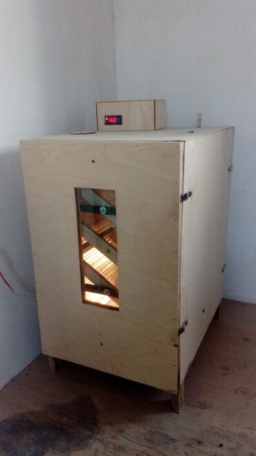 Услуги - Дюбенди: Inkubator 210yumurta tutur. Mexanikidir. Ozum istifade etmisem.yaxsi