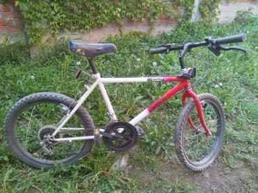 Deciji bicikl u odlicnom stanju. Uz bicikl ide i novo sediste - Belgrade