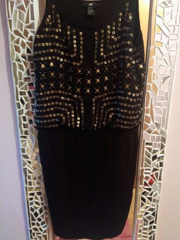 Pantalone hm duboke - Srbija: HiM crna haljina sa nitnama, odgovara za s/m velicinu. Kao nova! Nisam