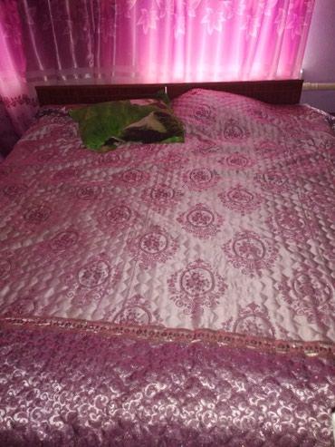 Продаю кровать с матрацом в Кок-Ой