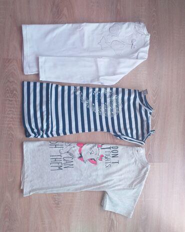 Dečiji Topići I Majice | Obrenovac: 2 majice i bluza vel.12 za devojčiceVrlo malo nošene, kao nove su
