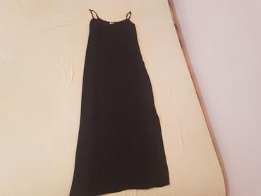 Crna sirena haljina - Srbija: Duga haljina, po merama je kao M ali ja nosim M i meni je mala kad