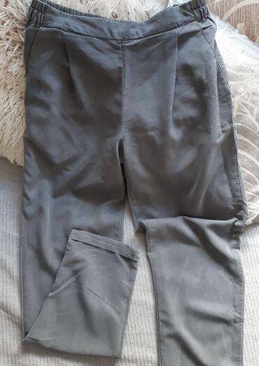 Sako i pantalone - Srbija: Pantalone od divnog materijalasa dzepovima i sa lastisem u struku