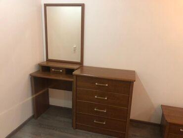 Двуспальные кровати - Кыргызстан: Продаётся спальный гарнитур,в идеальном состоянии.Двухспальная