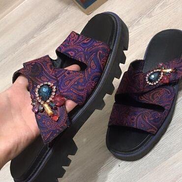 10561 объявлений: Продаю шлепанцы Zara-38 размер носили 1 раз