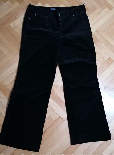 Pantalone ženske,Br.14, iz Engleske, somot, crne ima elastinDužina 100
