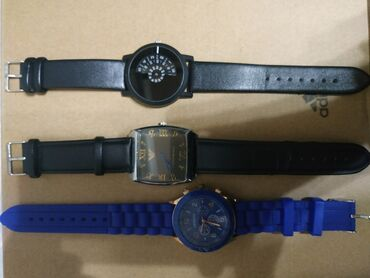 Продаю часы1. синие 200 сом ( возможны уступки)2. армани 1000 сом