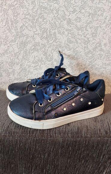 Подростковая обувь деми 33-32 размер, состояние хорошее, по 500 пара
