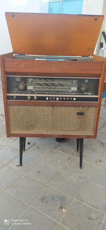 Antikvar, Retro Radio