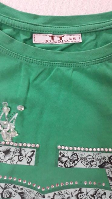 Prelepa majica, velicina S/M Moze da bude i L, jer je rastegljiva - Valjevo - slika 2