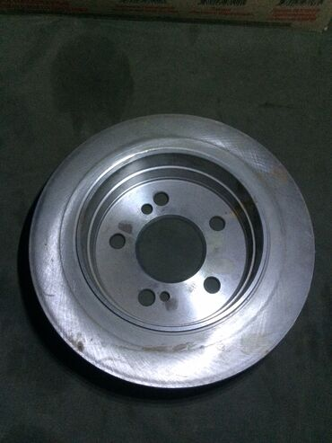 Тормозной диск задний w124 мерс 1шт