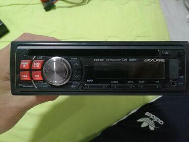 Audio oprema za auto   Srbija: Vise cd radija, svi imaju aux, usb, kompletni sa kablovima orginalnim