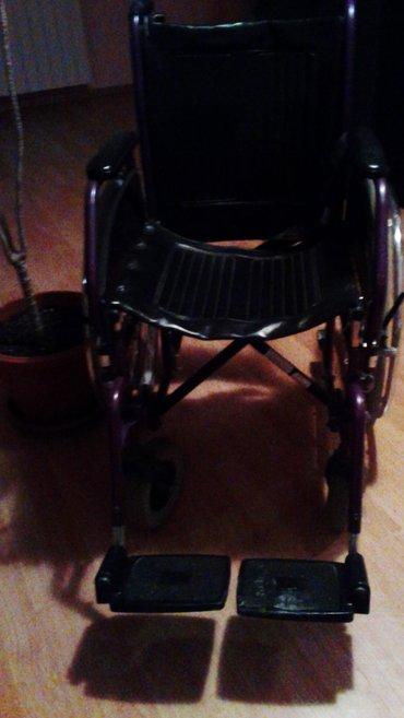 Manji regali  u cetiri kom I invalicka kolica ocuvano cena dogovor - Batajnica