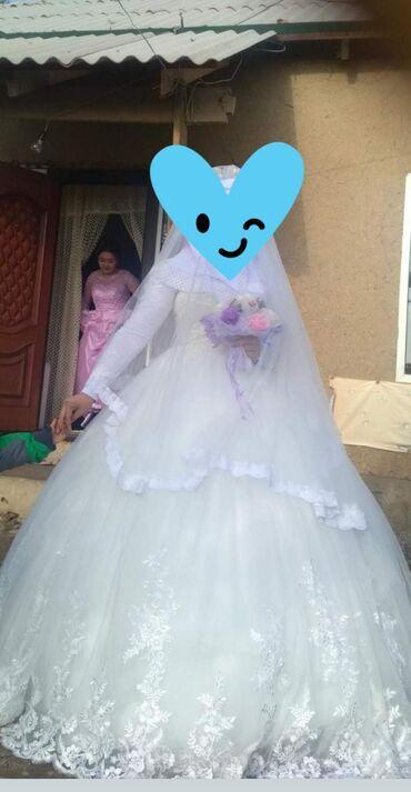 Платья в Ат-Башы: Сдаётся на прокат свадебный платья 3000 сом