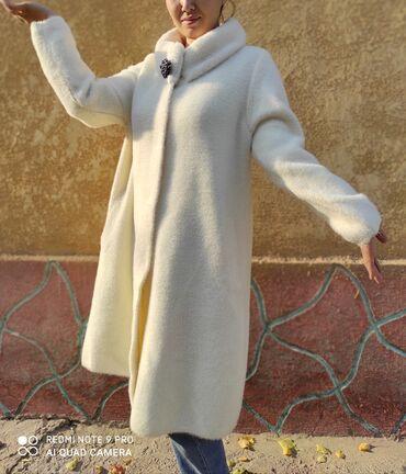 пальто лама в Кыргызстан: Пальто. Натуральная лама-альпака. Новые! Размер стандартный на 48-52