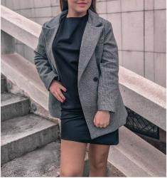 Пальто , жакет . Новое , распродажа. РАЗМЕРЫ 46-50 .  в Бишкек