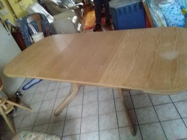 Stol na rasklapanje,u tri poteza imate stol za vise osoba,vidi - Sombor