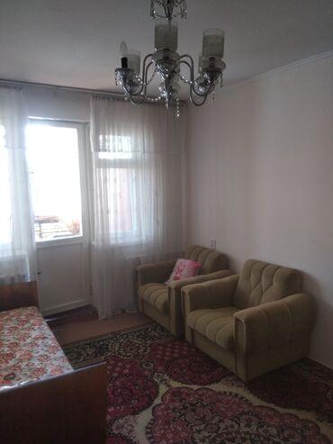 staryj divan sovetskij в Кыргызстан: Сдаю комнату с подселением в 2комнатной кв. В 4мкр, большая комната с
