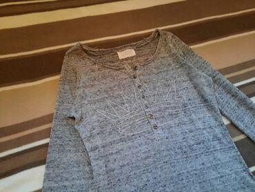 Zara bluza uska siva. Vel S. Sa krunom preko grudi od sitnih cirkona