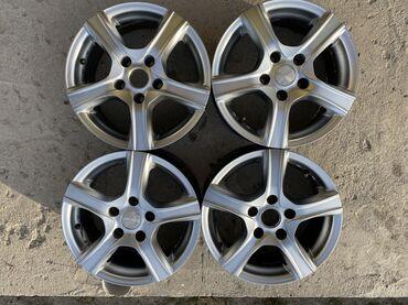 диски на тойота камри в Кыргызстан: Toyota Camry! Продаю диски на Тойоту Camry  Размер R 15.Подходит на мн