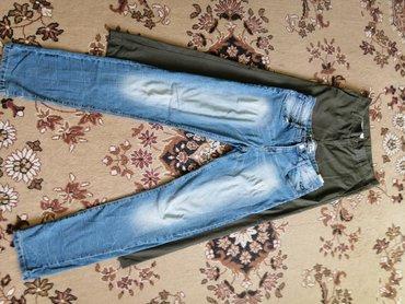 Muška odeća | Rumenka: Muske plave farmerke Takko i zelene pantalone.Za visinu do 180 do 190