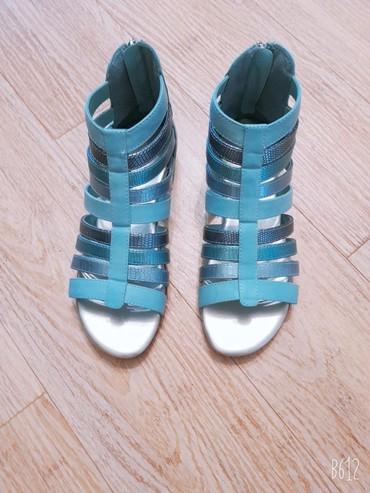 женские босоножки на широкую ногу в Азербайджан: Сандалии и шлепанцы 35