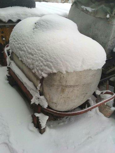 Бочка алюминиевая на колесах. емкость600литров. в Токмак