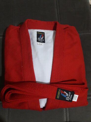 спортивный-комплект в Кыргызстан: Самбовка. В комплект входит сама самбовка, пояс, шорты. На 12-14 лет