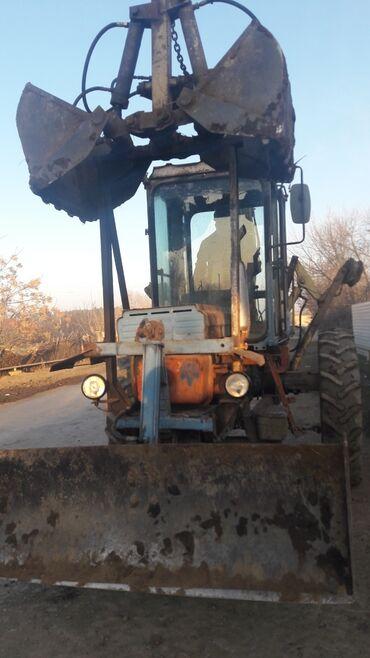 82 traktor - Azərbaycan: Yükleyici traktor