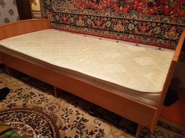 Кровать односпальные 2м на 0.90 состояние отличное матрац Линна в Кант