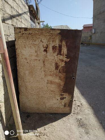 su baki - Azərbaycan: Su baki tecili satilir qalin demirdendir.2.250 ton su tutur