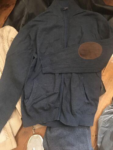 вязанный жакет в Кыргызстан: Кожаная утеплённая куртка, вязанные жакеты, плюс рубашки, джинсы б/у -