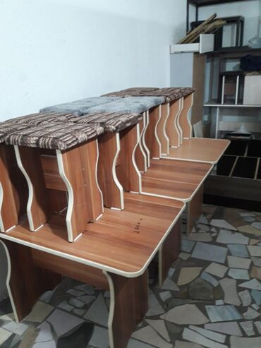 Столь 4 табуретки на кухню новый стол кухонный