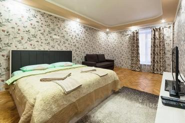 Квартиры - Бишкек: Посуточно 1. 2. 3. х ком квартира. Центр. Евро. Стильно