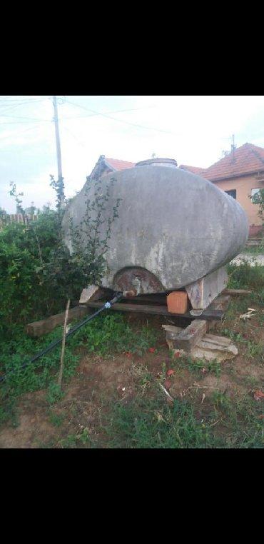Cisterna od poliestera 4100 litara. Mi smo je korostili za