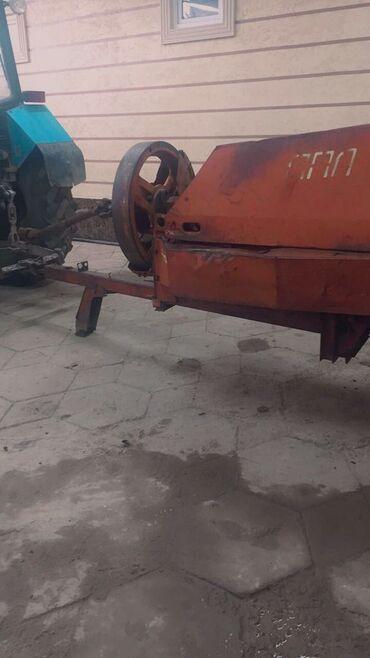 Транспорт - Кызыл-Адыр: Продам 1штук пресс подборщик Кыргыстан в хорошем состоянии прес