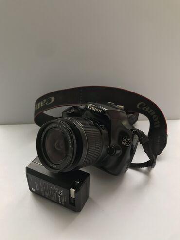 Canon 1100d  В комплекте зарядка флешка