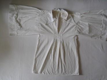 Neobična bela košulja/tunika sa belim vezom, nošena. Veličina nije - Belgrade