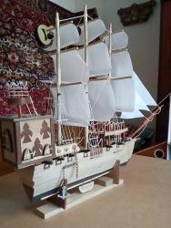 Модели кораблей - Бишкек: Продаю корабль,ручная работа,сборка,отделка натуральным ценным