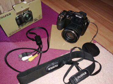 fujifilm finepix s2950 в Азербайджан: Fujifilm finepix s4000. Tecili satilir. Birce problem var funkciya
